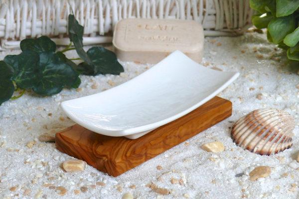 Darstellung Seifenschale Porzellan mit Olivenholzsockel