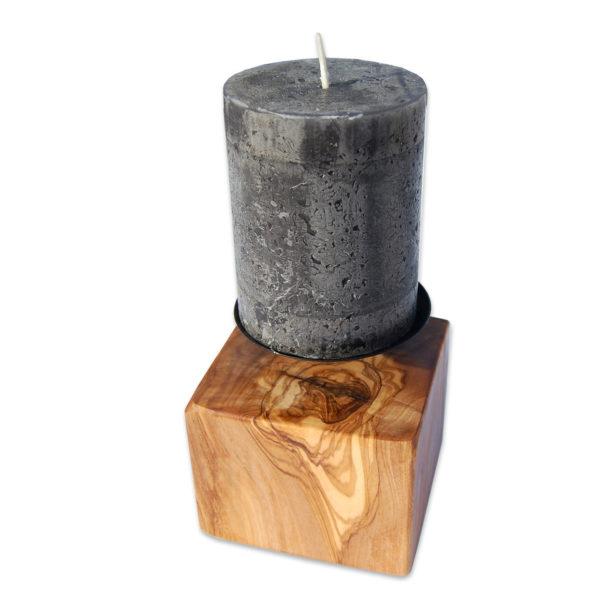 Darstellung Kerzenständer eckig aus Olivenholz